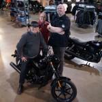 Marc, Mario Lirette et Stéphane Lauzon (directeur des ventes chez Vision Harley)